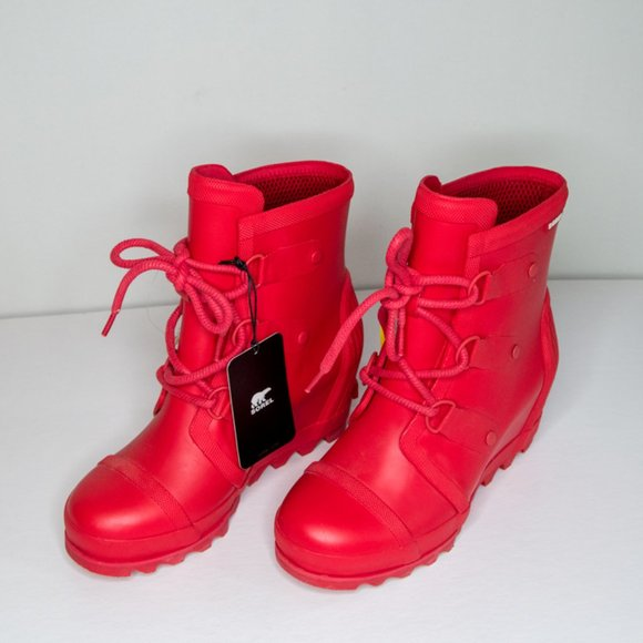 Ladies Red Sorel Joan of Arctic Wedge Boots Size 8